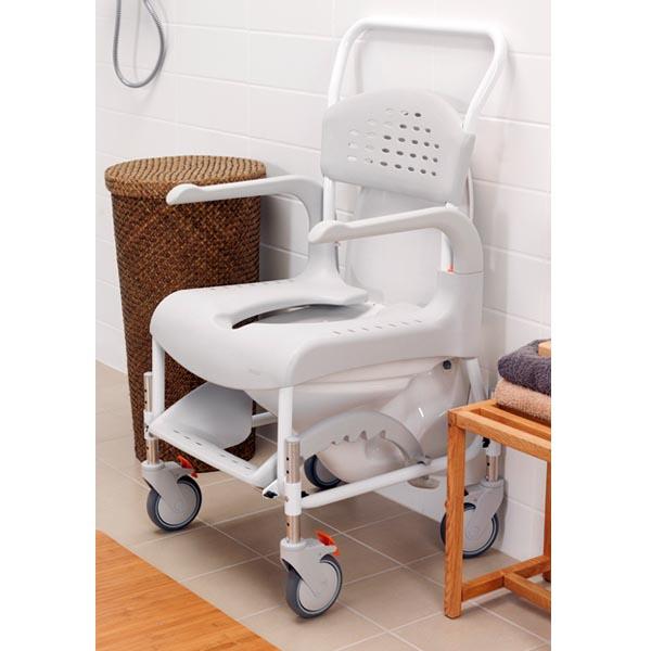 Silla de ducha y wc con ruedas clean silla para ducha for Sillas para ducha plegables