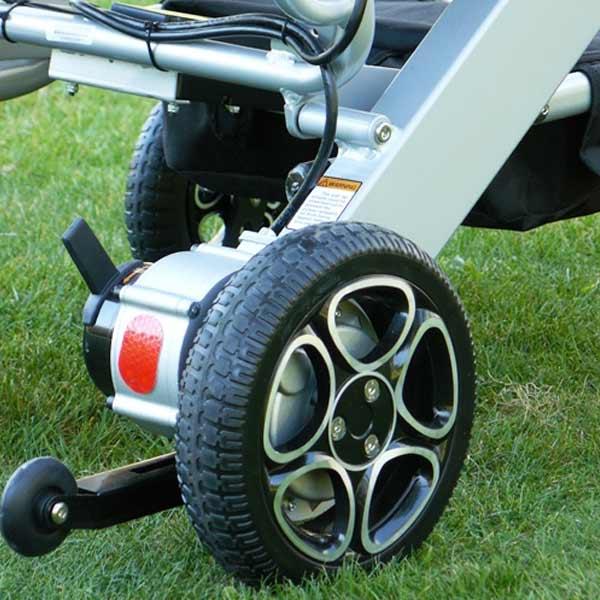 Silla de ruedas eléctrica plegable Mistral 7 y 10 Libercar Ultraligera y manejable-4