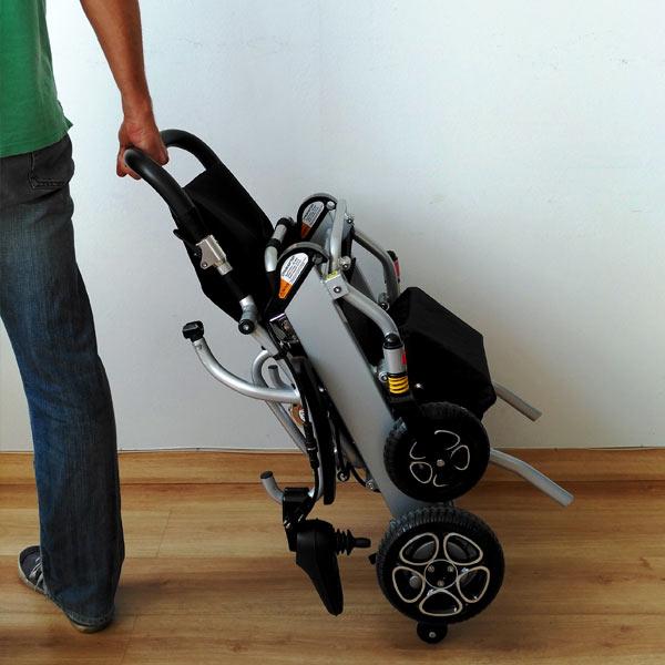 Silla de ruedas eléctrica plegable Mistral 7 y 10 Libercar Ultraligera y manejable-5