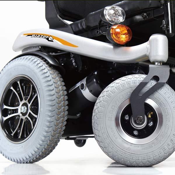 Silla de ruedas eléctrica compacta Blazer de Karma Mobility-4