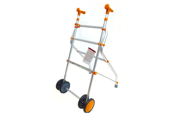 caminador-aluminio-ligero-plegable-naranja