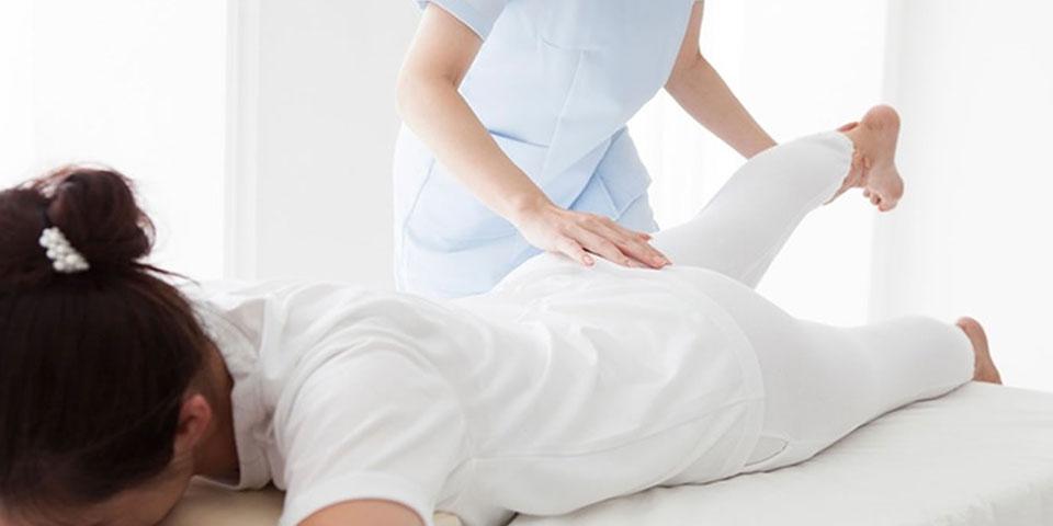 Fisioterapia Mézières: descubre por qué el que la prueba repite