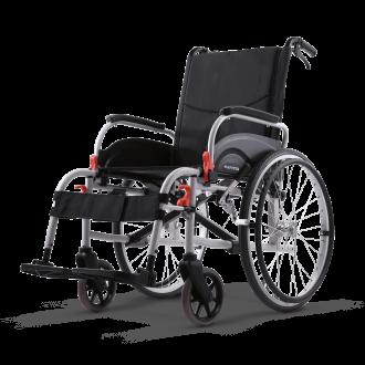 Silla de ruedas de aluminio con frenos en las empuñaduras Agile